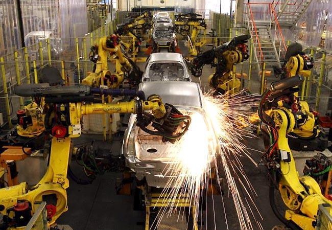 Indústria registra leve recuperação em setembro