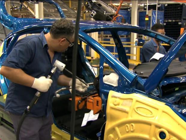 Produção da indústria fica estável em maio, diz IBGE