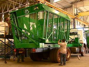 Produção da indústria volta a crescer em maio, diz IBGE