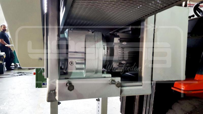 Transportador de corrente com taliscas